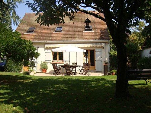 maison louer bois le roi 77590 105 m2 4 chambres jardin propos e par un particulier. Black Bedroom Furniture Sets. Home Design Ideas